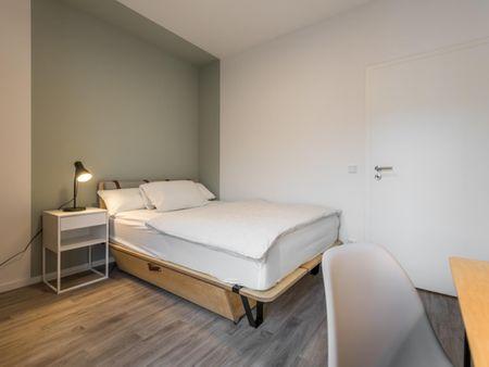 Fancy double bedroom in Westlandgracht