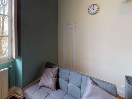 Charismatic double bedroom in Quartier de la Daurade