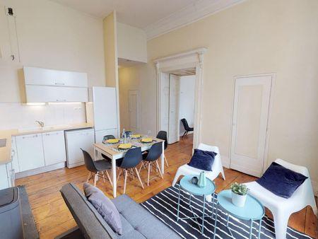 Lovely double bedroom in central Quartier de la Daurade