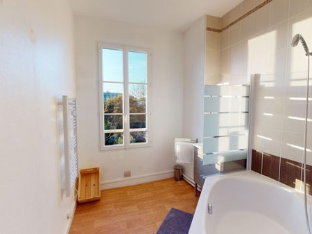Ample double bedroom in Saint Seurin - Fondaudège