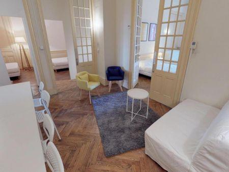 Appealing double bedroom in Préfecture