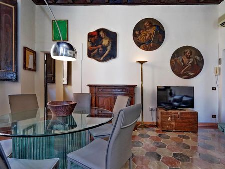 Stupendous 2-bedroom apartment in the centre of Rome