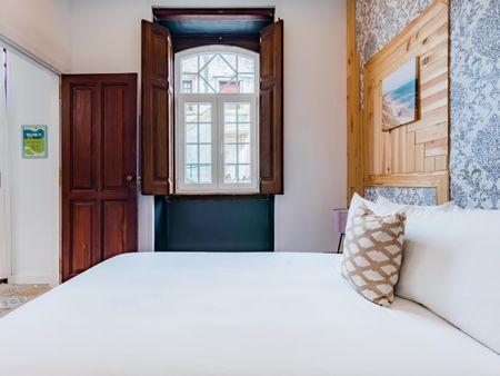 Tasteful 3-bedroom flat in Sintra