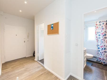 Awesome single bedroom in a 4-bedroom apartment near Fritz-Schloß Park