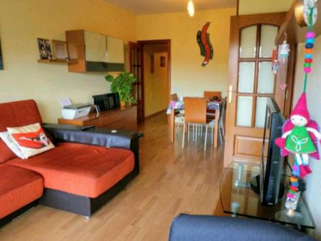 Double bedroom in an apartment. Only for the month of june. Very beautiful with balcony.
