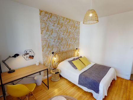 Dashing double bedroom in La Guillotière
