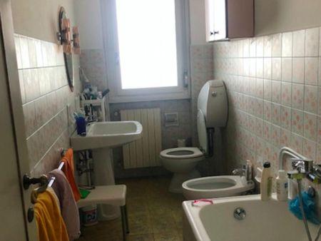 Double bedroom in a 3-bedroom apartment near Firenze Rifredi train station