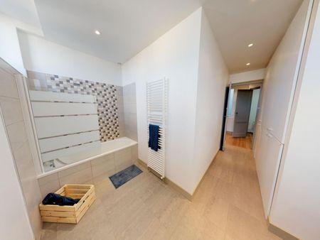 Spacious double bedroom in Hôtel de Ville - Quinconces