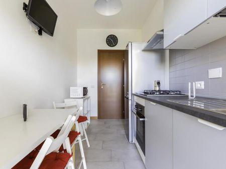 Cozy double bedroom in a 3-bedroom apartment near Parco Matteo di Fazio