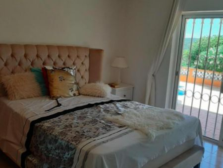Double ensuite bedroom in a 4-bedroom house in Loule