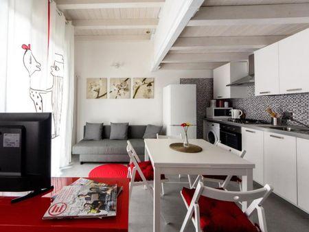 Cosy twin bedroom in Cirenaica