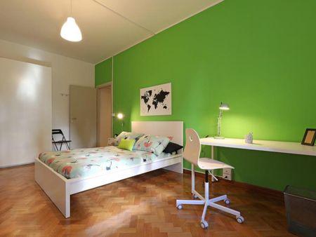 Spacious double bedroom in Garbatella