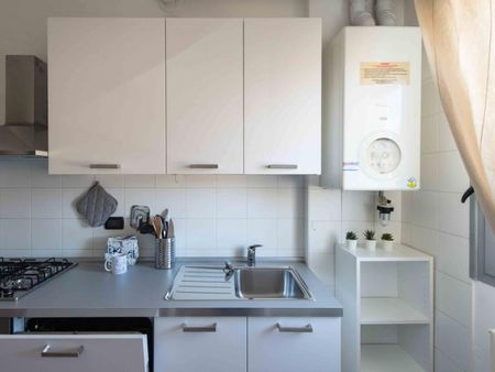 Modern double bedroom in a 3-bedroom apartment near  Bologna Centrale train station