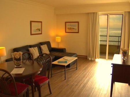 Very welcoming 1-bedroom apartment in an apart-hotel, near the Praia de Caxias