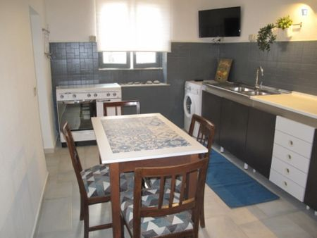 Palermo center, single bedroom, all-inclusive, in 3-bedroom apartment