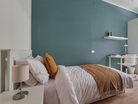 Single bedroom with a balcony, near the Forli campus of Universitá di Bologna