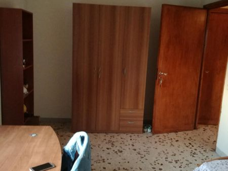 Single bedroom close to Teatro Ambasciatori