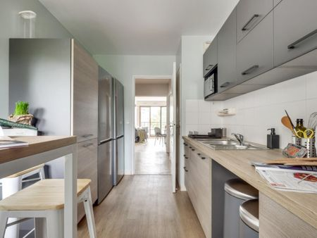 Stupendous double bedroom with a balcony, in Issy-les-Moulineaux