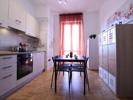 Large single bedroom in Brescia centre