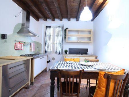 Spacious double  bedroom in Brecia city centre