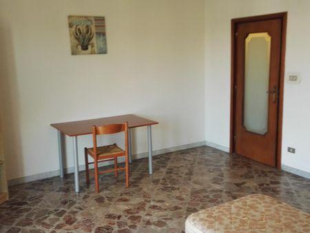 Comfy single bedroom in Carbonara di Bari