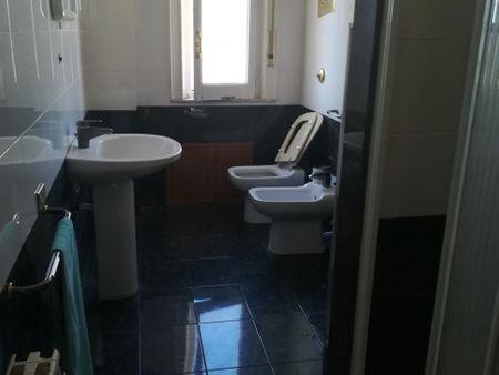Single bedroom in a 4-bedroom apartment near Piazza Biagio Camagna