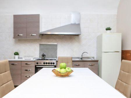 Cool 2-bedroom flat near Via dei Tribunali