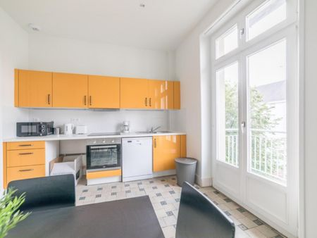 Lovely double in a 5-bedroom apartment