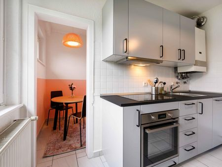 Dashing double bedroom in Gablenberg
