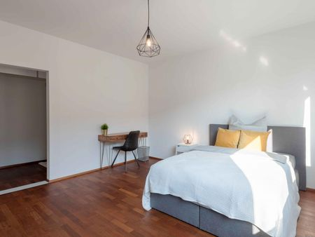 Splendid double bedroom in Feuersee