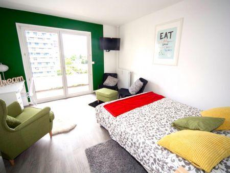 Colourful double bedroom in the Esplanade neighbourhood
