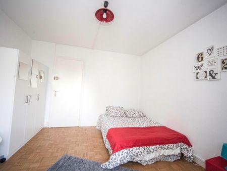 Charismatic double bedroom in student-popular Esplanade