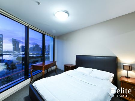 Apartment  501/100 Harbour Esplanade