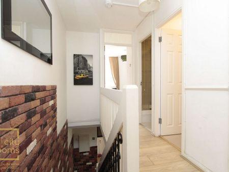 Nairn Street E14 0LQ