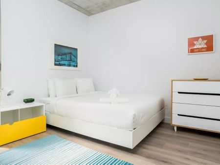 Bold 2BR in Old Montreal by Sonder
