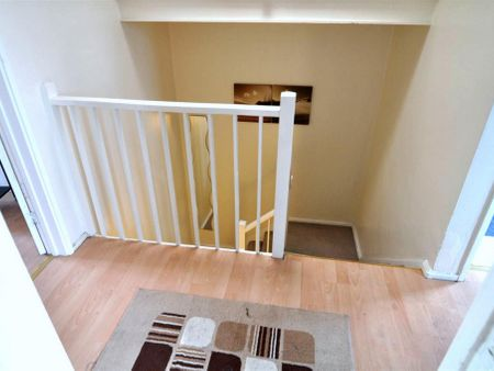 48 Blythendale House, Mansford Street E2 7AW