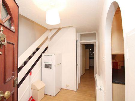 Yarrow House E14 3JP