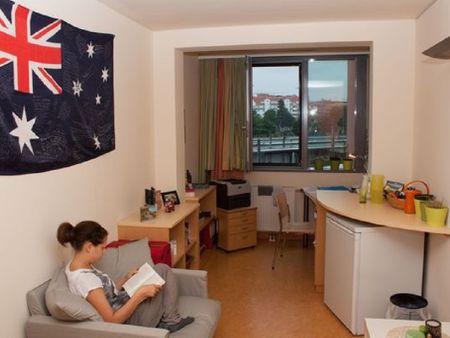 HousingVienna House Meidling