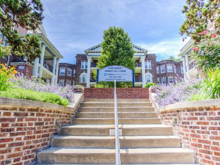 4400 Spruce Street - Campus Apartments