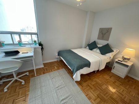 Pearson Housing - 100 Wellesley St E.