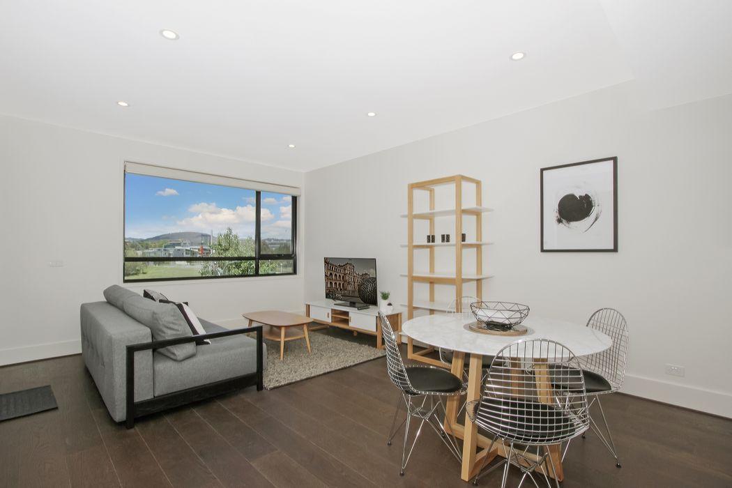 Accommodate Canberra - Prince 228