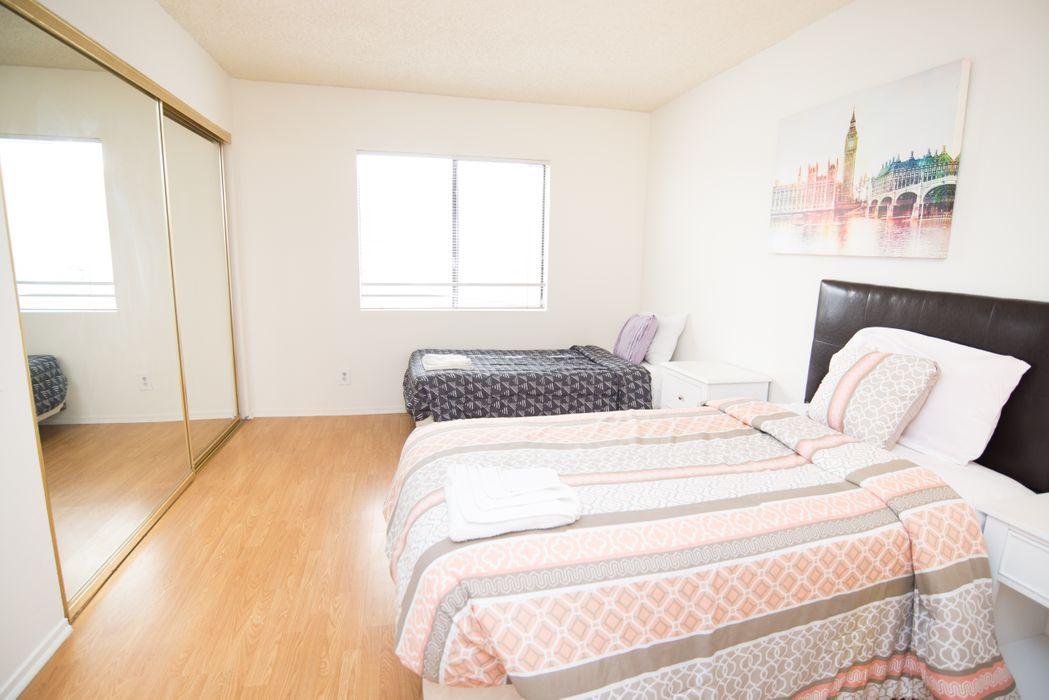 Pelham Ave Apartments