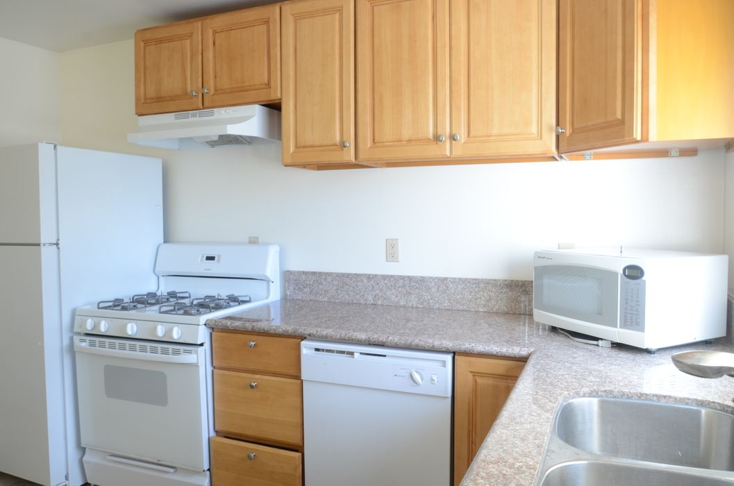 Student accommodation photo for 1419 Centinela Ave in West Los Angeles, Los Angeles