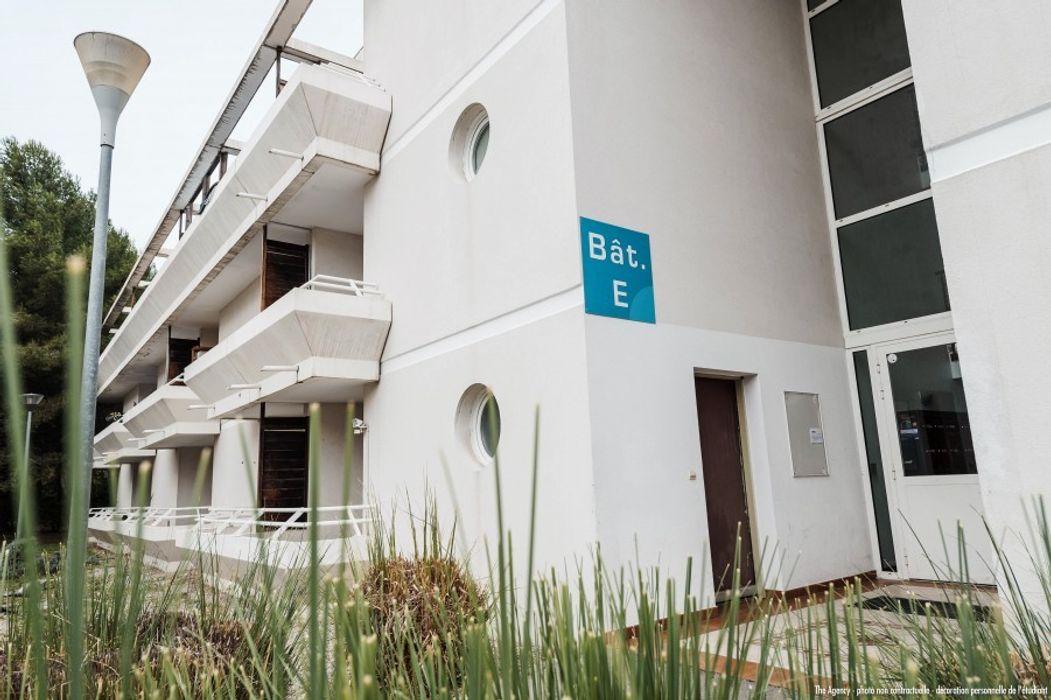Student accommodation photo for Suitétudes Les Moulins 2 : Ton appart dans une résidence accolée à Sup de Co in Bologne, Montpellier