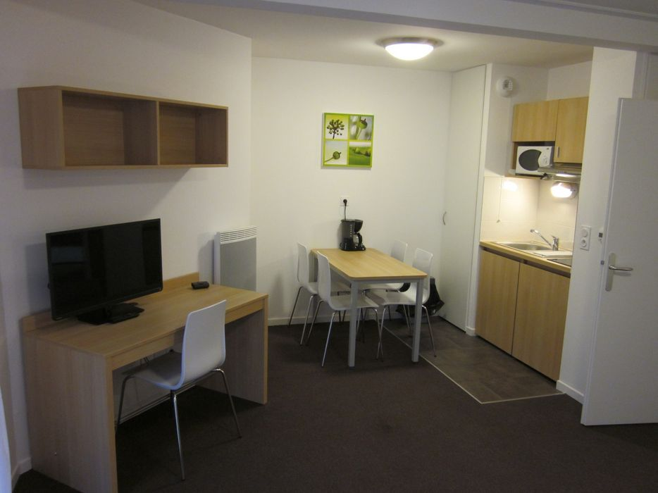 Student accommodation photo for KOSY Appart'Hôtels - Résidence City & Park in North of Troyes, Troyes
