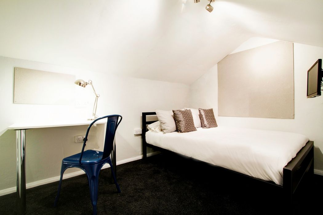 Student accommodation photo for 139 Hyde Park Road in Burley, Leeds