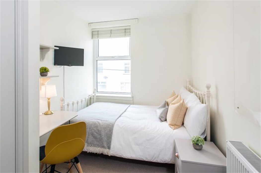 Student accommodation photo for 24 Moy Road in Inland Area, Cardiff