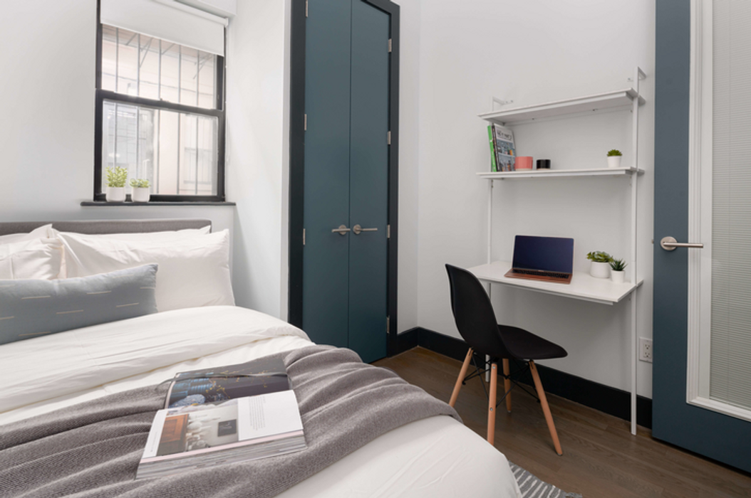 Student accommodation photo for 202 Scholes Street in Brooklyn, New York