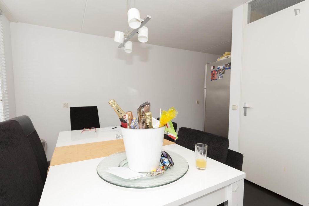 Spacious double bedroom in De Aker