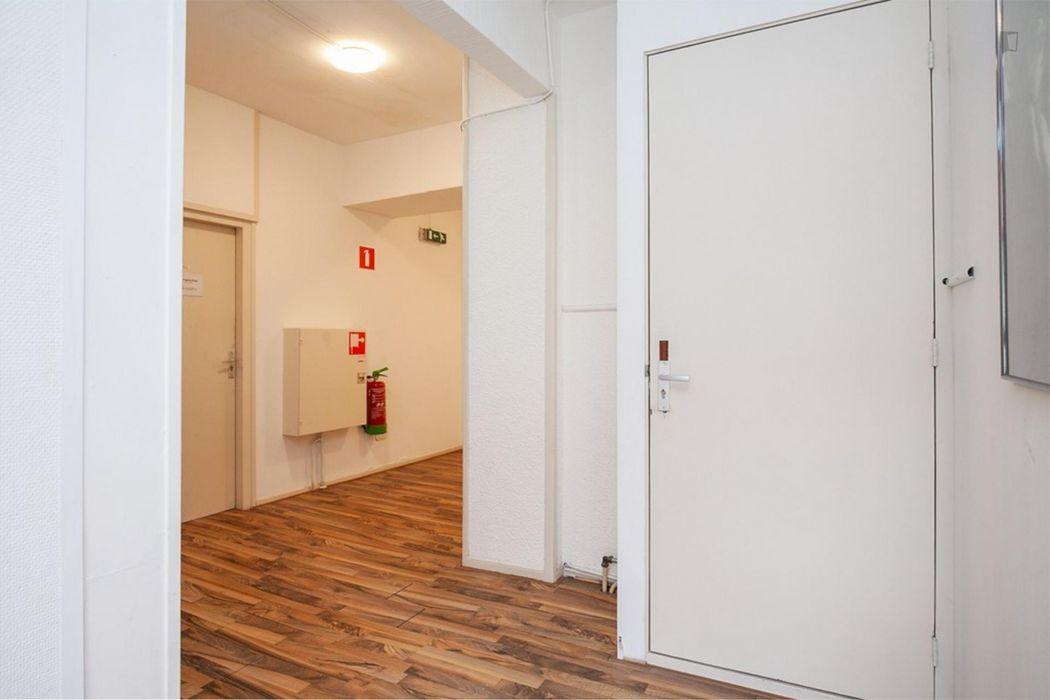 Studio with plenty of living space in IJsselmonde